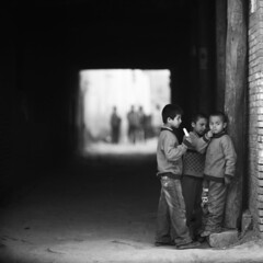 q (memetic) Tags: china street old city bw kids children blackwhite alley candid explore xinjiang kashgar   uyghur frontpage kashi tmax100 passageway p6    kaxi