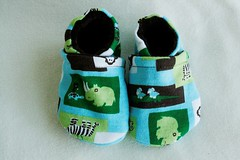 *0-6 Months*  Mint Chocolate Zoo Velour lined Booties