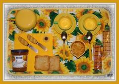 """Il """"BUONGIORNO"""" si vede dal mattino (Super Mario Bros1) Tags: verde giallo latte caff girasole colazione tazzine zucchero marmellata merendine cucchiaini fettebiscottate"""