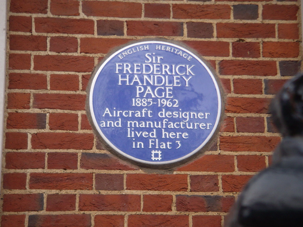 Photo of Frederick Handley Page blue plaque