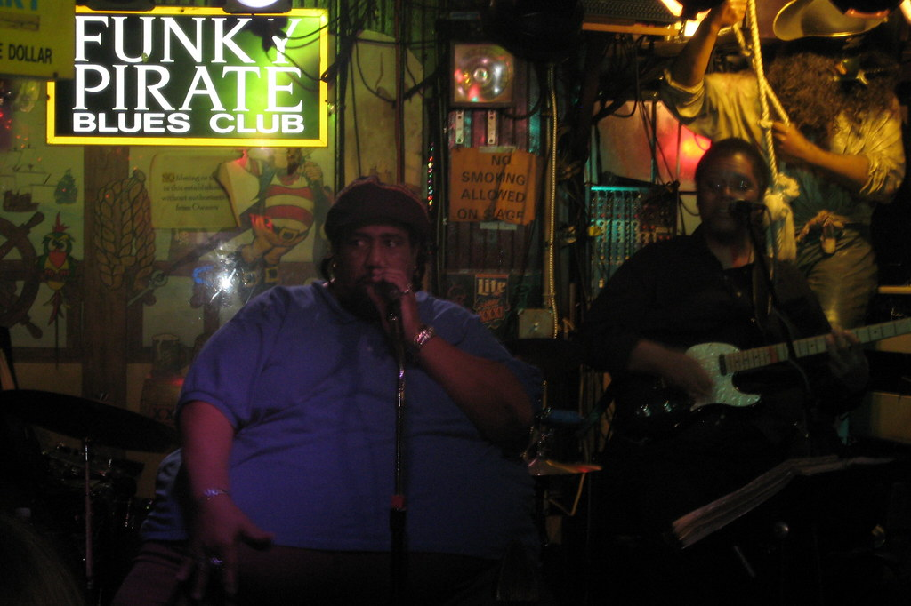 New Orleans - French Quarter: Funky Pirate Blues Club - Big 'Al' Carson and the Blues Masters
