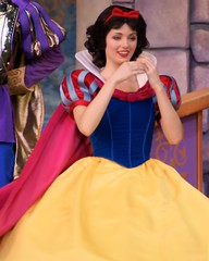 Princess Fantasy Faire (SDG-Pictures) Tags: california costumes fun happy costume princess disneyland joy dressup happiness disney entertainment characters southerncalifornia orangecounty anaheim snowwhite magical enjoyment themepark fantasyland roles role employees entertaining roleplaying disneylandresort disneycharacters magicmakers princesssnowwhite disneythemeparks princessfantasyfaire disneylandcastmembers makingmagic disneycast may182008 themeparkfun takenbystepheng rolesmagical