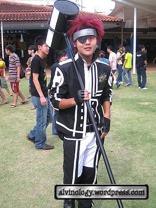 smiley cosplayer
