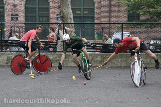 7-6-2008 some mid west polo guy gets schooled by world champ in a game of bike polo