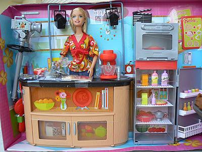 """Barbie """"je fais la cuisine devant les caméras"""".jpg"""
