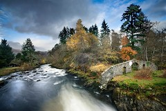 Killin (gms) Tags: uk autumn graveyard river scotland highlands searchthebest fallsofdochart killin dochart macnab riverdochart