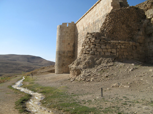 Takht-e Soleyman - walls and stream
