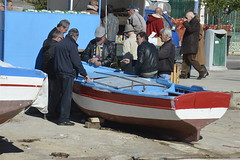 Briscola sulla barca (costagar51) Tags: mondello palermo sicily sicilia italy italia folklore mare panoramafotográfico flickrsicilia anticando contactgroups peopleenjoyingnature