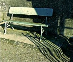 (#avril#) Tags: shadow green bench seat diagonal lightshadow