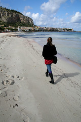 decisamente (mypixbox) Tags: blue red sea sky italy green beach girl k clouds walking donna boots turquoise skirt sicily palermo pupa spiaggia gonna sicilia mondello atlast rossa palermoinmovimento