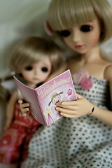 Molly's favorite book... Pinkalicious! (Emily Szettella) Tags: blue sisters book doll cookie cara tanned latidoll lati pinkalicious lilstiches