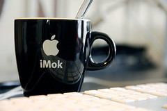 Drink diffirent (Christiaan Arthur Hemerik) Tags: apple cup coffee macintosh keyboard drink desk applestore mug workspace senseo coffeebreak macbook imok mstand