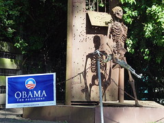 Obama and AntiWar Sculpture (Franco Folini) Tags: california ca sculpture usa skeleton soldier photography us rust fighter foto rusty vietnam antiwar fotografia veteran obama pescadero ruggine soldato scheletro combattente francofolini folini