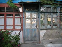 IMG_7521 (Olga Rozhdestvenskaya) Tags: door house ukraine crimea blacksea krym woodendoor gurzuf крым окно hurzuf чёрноеморе гурзуф