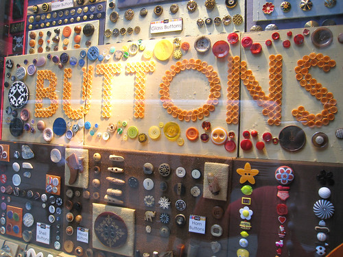 Storefront of M&J Buttons
