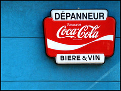 Dpanneur ( CHRISTIAN ) Tags: blue red beer rouge montral montreal bleu explore cocacola conveniencestore bire cornerstore dpanneur gwim colourartaward