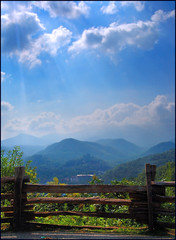 Smokies in the Morning (Cliff Michaels) Tags: morning blue trees mountains green clouds photoshop fence d50 landscape nikon e tennesse smokies michaels seviercounty greatsmokymountainsnationalpark splitrailfence capturenx tennpenny photoscliff