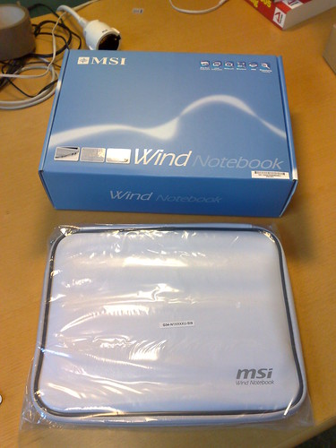 MSI Wind box and sleeve