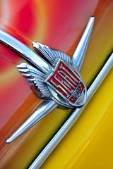 Seat 600 D. Sign (Toms Fano) Tags: espaa green classic car yellow canon vintage spain seat feria asturias spanish coche 600 oviedo viejo antiguo clasico principado logotipo toms poca clsico fano vehculo