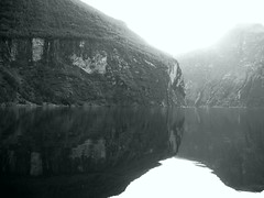 late afternoon sun (gallmese) Tags: blackandwhite bw reflection water sunshine norway norge natura fjord unescoworldheritage geiranger monart norvgia feketefehr napsts monochromia czarnobiay