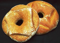 Bread - whole wheat wheel (Peter Arthold) Tags: bread baking baker dough pane brot breadrolls serials breadloafes