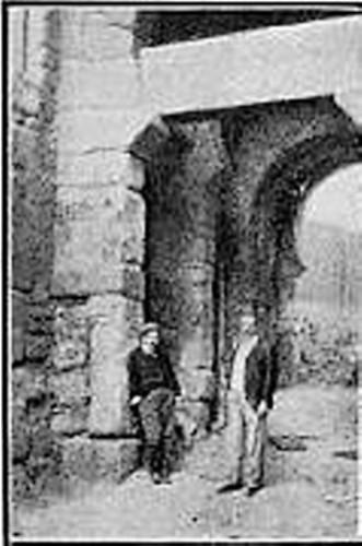 Puerta vieja de Bisagra o de Alfonso VI (Toledo) en 1907
