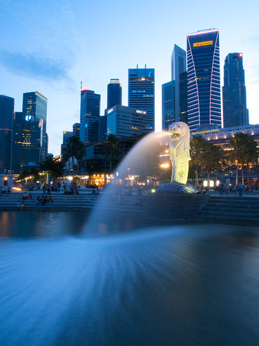 Fountain Spread (Merlion)