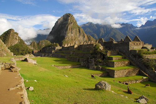Around the Central Area of Machu Picchu