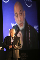 Nik Gowing, Hamid Karzai - World Economic Foru...