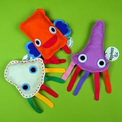 Plushies (cloci) Tags: toys nikon lab jellyfish foto handmade milano happiness felt things plush da stuff plushie pup feltro ltd compagnia useless poli d300 filtz alati pupazzini medusine