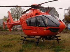 Helikopter vor dem Bro (derquoos) Tags: dem bro vor helikopter