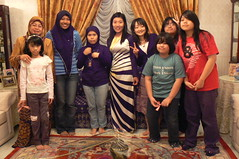 Family Photo at Uncu's. (zahcesc) Tags: brunei uncus sseayp2008 menglaitgdg zahcesc