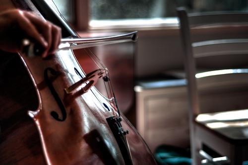 フリー画像| 物/モノ| 楽器| チェロ|        フリー素材|
