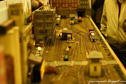 model-train14