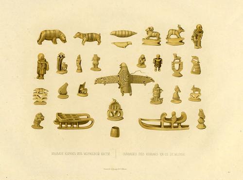 Obras de artesania de los Kuriaks en hueso de morsa