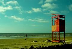 guardando (VanMagenta) Tags: brazil praia brasil cassino superaplus aplusphoto vanmagenta medalhadeprata