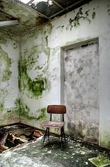 Have a seat (Piposieske) Tags: abandoned chair decay bloemendaal urbex santpoort abandonedchair provinciaalziekenhuissantpoort