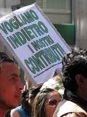 Milano, May day 2008 (rogimmi) Tags: italia milano parade mayday precari lavoro precario primomaggio 1maggio precariet