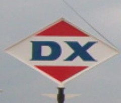 Henryetta, OK DX Station (citizenkerr) Tags: oklahoma station sign gas signage oil sunray dx sunoco henryetta sunoilco