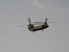 RAF Chinook nose dive at about 80-85 (aburt) Tags: show uk england sky geotagged video display aircraft flight event sanyo chinook 2008 raf xacti nosedive bigginhill egkb 80 85 internationalairfair geo:lon=0031839466851 geo:lat=51330119350868