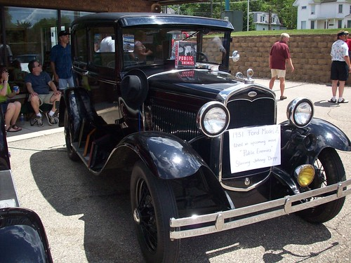 Public Enemies  car
