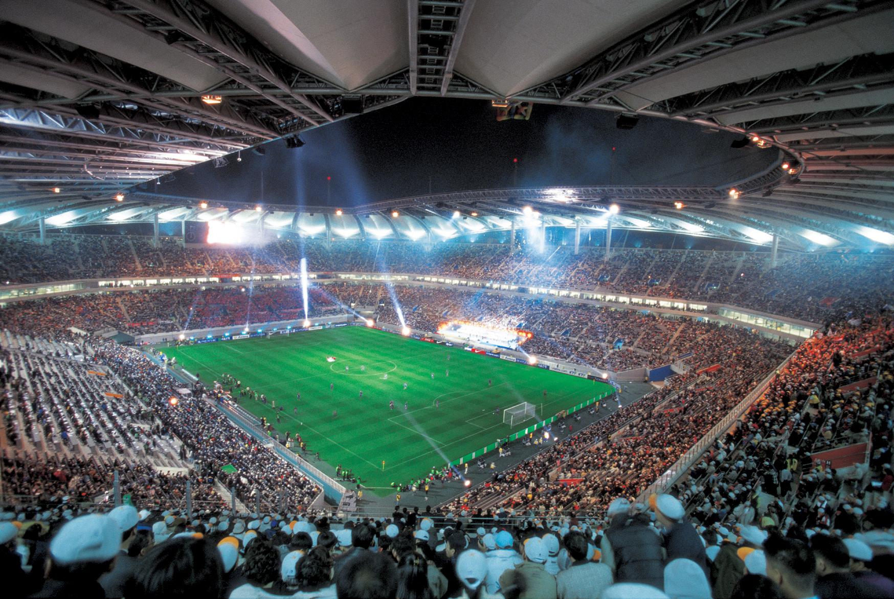 10 самых посещаемых стадионов мира