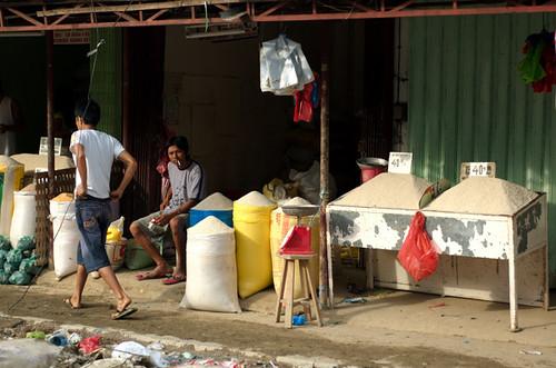 Philippinen  菲律宾  菲律賓  필리핀(공화국) Pinoy Filipino Pilipino Buhay  people pictures photos life Typhoon Fengshen Kalibo, Aklan, Philippines price, rice, rural, scene, vendor