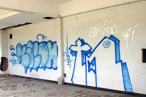 Street Art in Thailand - Blue Bombs - Bang Saen, Thailand