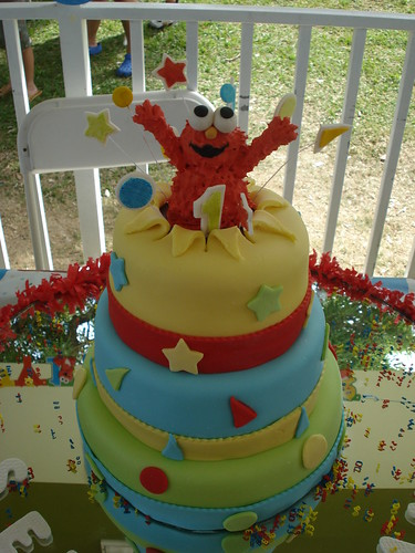 Elmo's cake by Eve Marzan