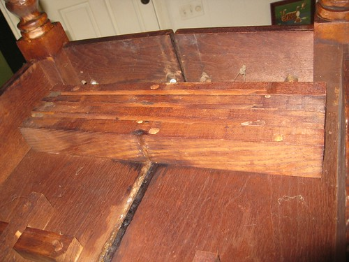 19th Century Oval Walnut Dining Table - underneath2