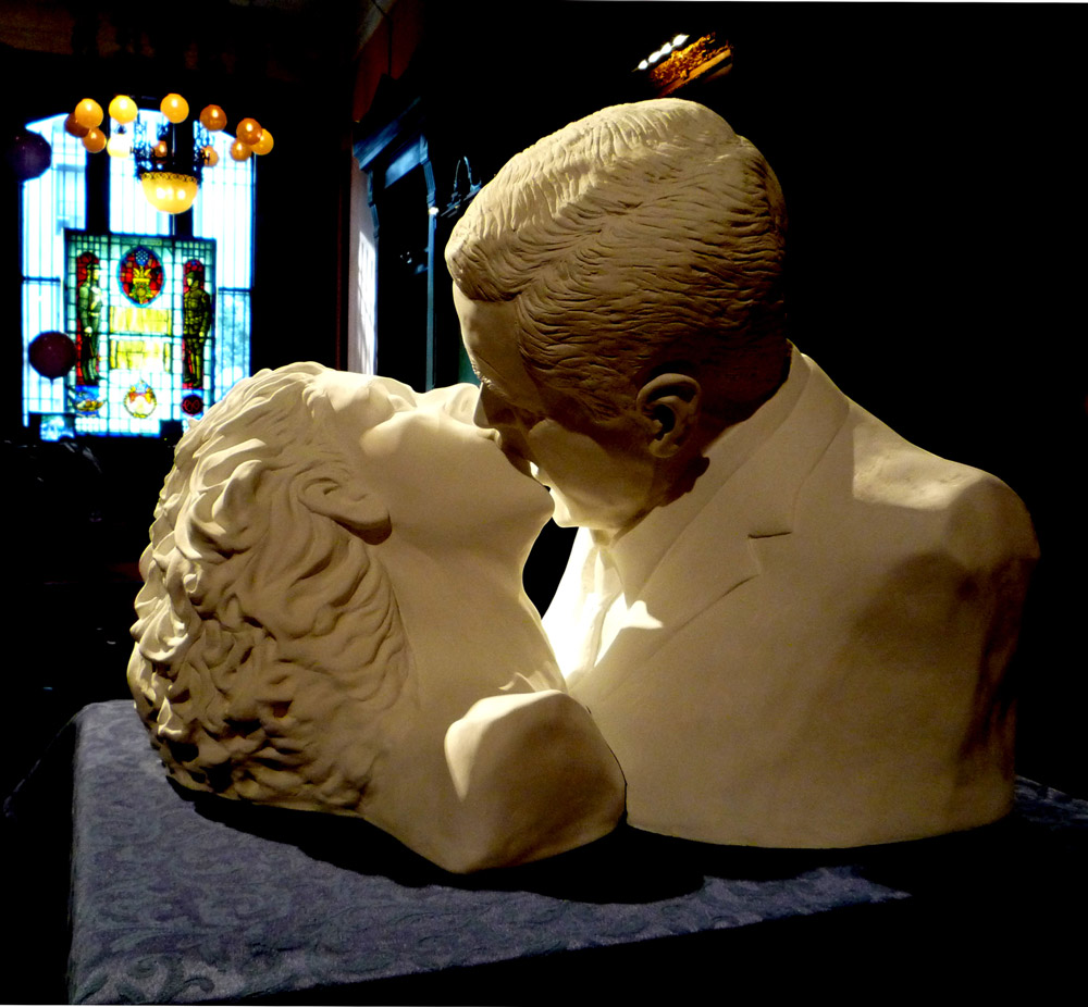 Kissing President Bush
