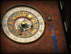 The elaborate clock (blind_donkey) Tags: street city urban building clock oslo norway architecture buildings hall peace time cityhall architektur 50s 1950 nobel nobelprize buildingdesign mywinners arnsteinarneberg magnuspoulsson detallessculpturalandaechitecturaltreasures detailssculpturalandarchitecturaltresures