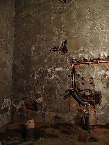 更改水管位置符合新瓷器