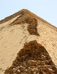 Seneferu's Bent Pyramid- Knickpyramide (erster83) Tags: desert pyramid egypt unesco pyramide ägypten wüste dahschur snofru seneferu knickpyramide schulzaktivreisen bentpramid